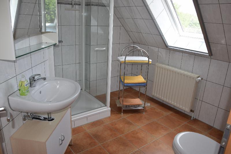 Dusche und WC Fewo 2
