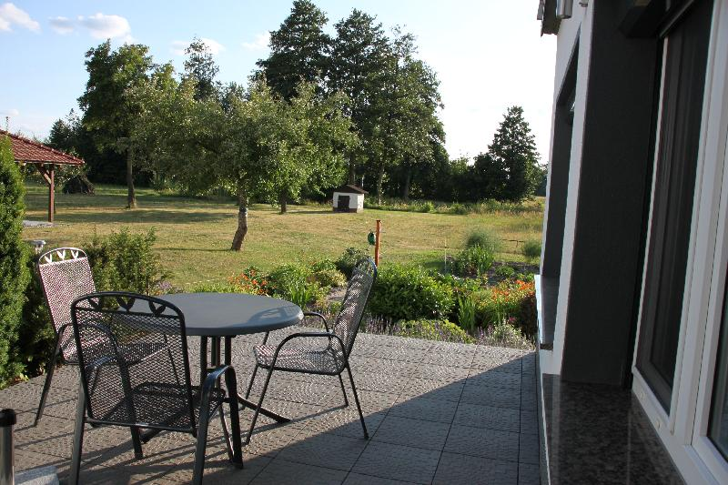 Ausblick Terrasse Ferienhaus Lavendel