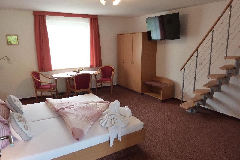 Ferienwohnungen auf 2 Etagen in der Spreewald Pension Spreeaue in Burg