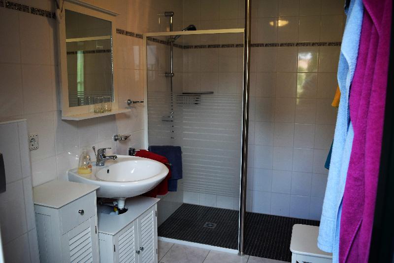 Bad im unteren Wohnbereich