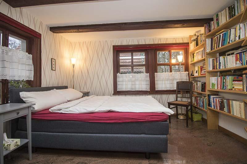 Hexenhaus - Schlafzimmer im Erdgeschoss