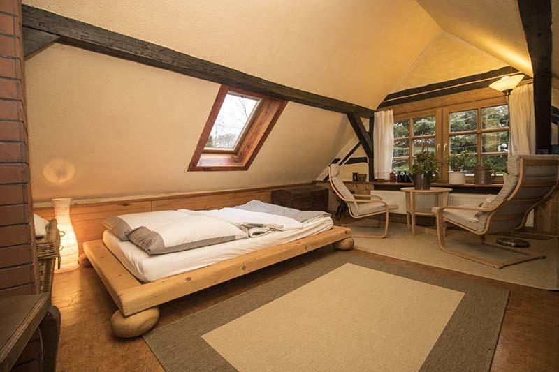 Hexenhaus - Sitzbereich im Schlafzimmer 2